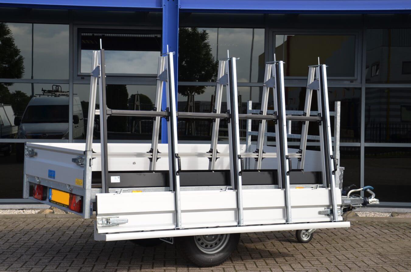 Aanhangwagen met EUROBORN glasrasteel