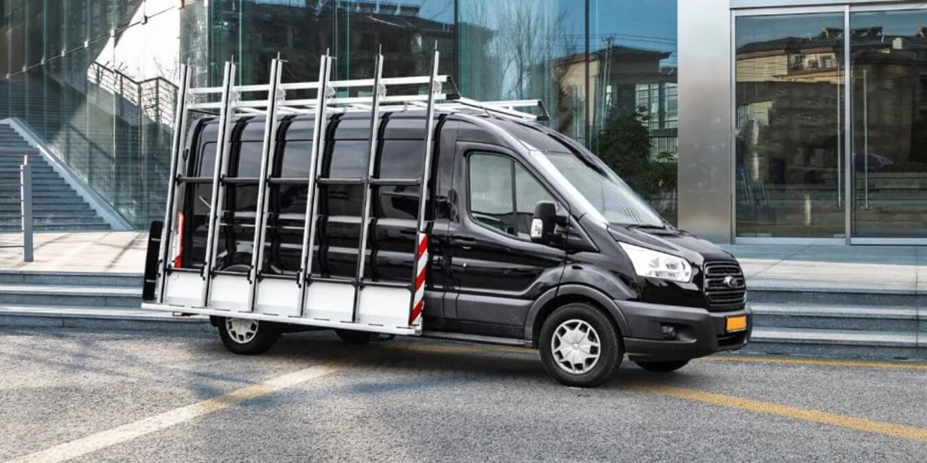 Euroborn glasrasteel op Ford bedrijfswagen