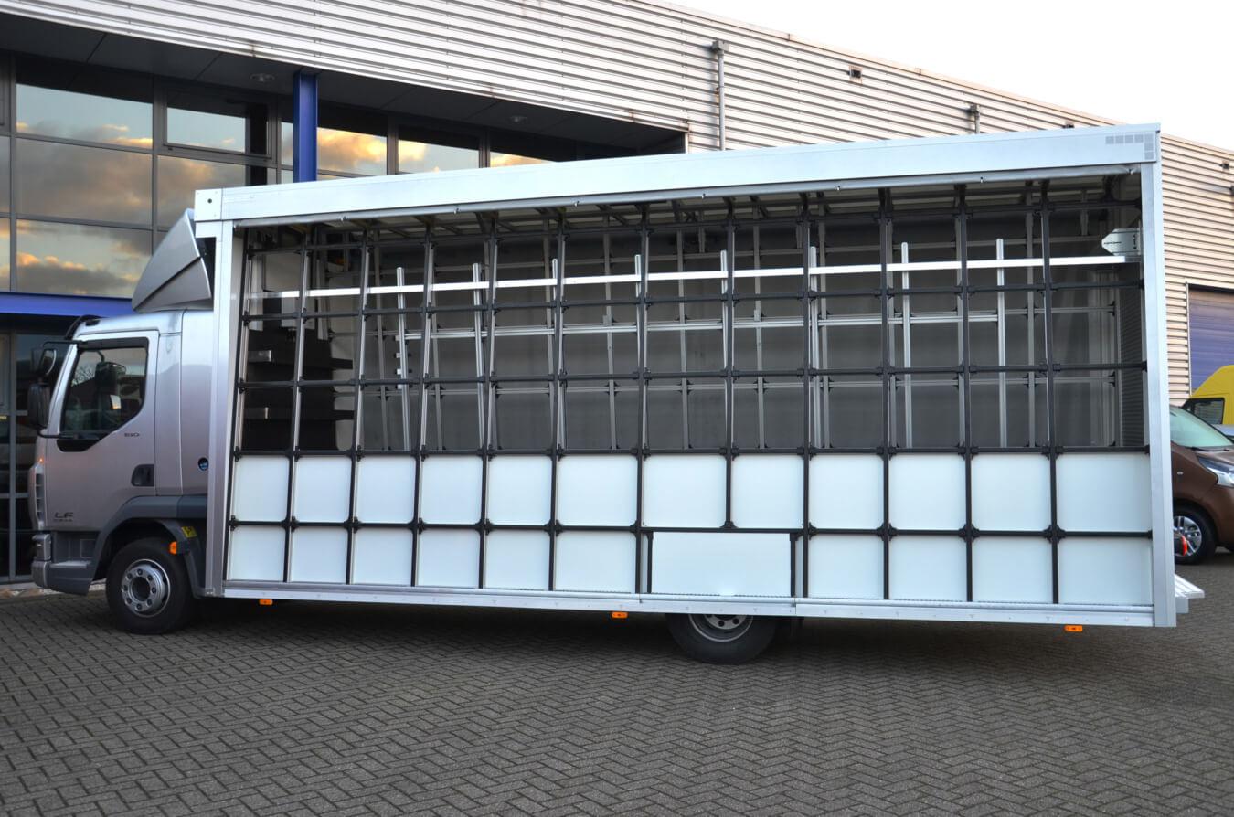 Euroborn glasrasteel op vrachtwagen