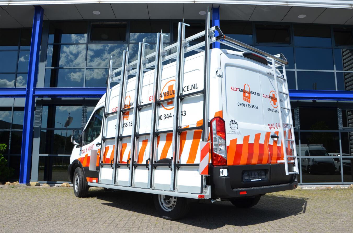 Ford Transit met EUROBORN glasrasteel en ALU-Top imperiaal