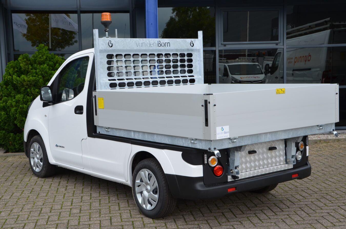 Nissan bedrijfswagens eNV200 kippende laadbak elektrische voertuigen
