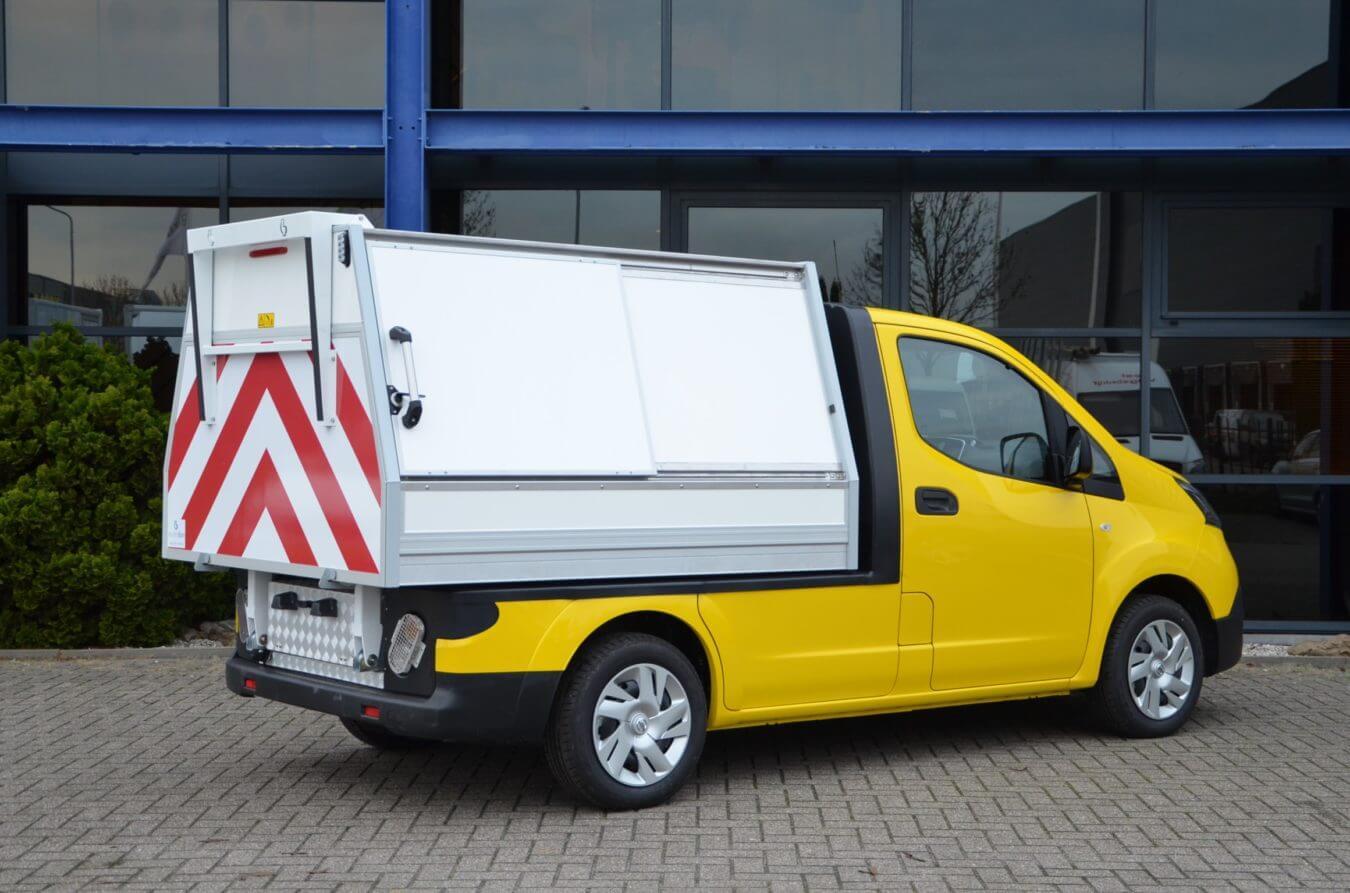 Nissan bedrijfswagens eNV200 ergo kippende veegvuilopbouw elektrische voertuigen