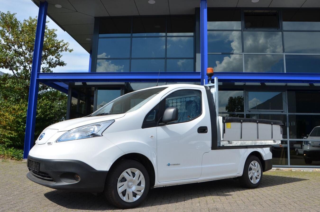 Elektrische Nissan e-nv200's voorzien van ergo kippers